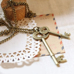 double_key_necklace_grande