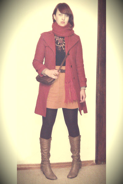 coat-chocolate-tights-scarf-purse-blouse-burnt-orange-skirt_400