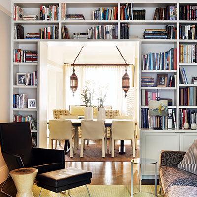 bookshelves-around-entry-l