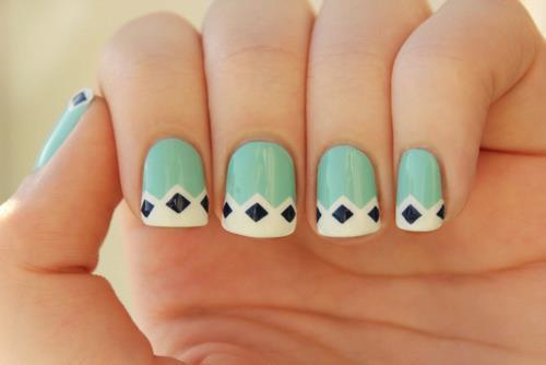 mint-nails-diamonds