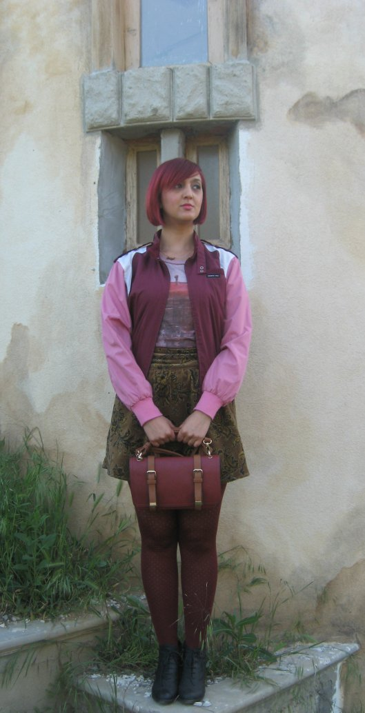 Jacket: vintage Members Only/Skirt: Stradivarius/T-shirt: Athletic Vintage New York/Tights: Pull and Bear/Necklace: Drama (Ivana Knez)