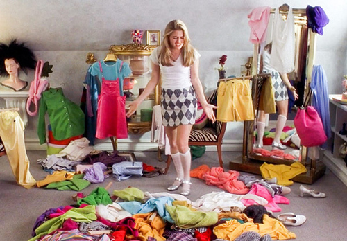 clueless-piles-of-clothes
