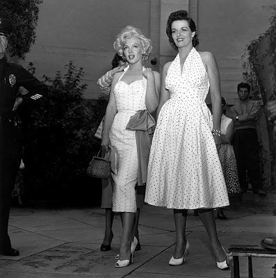 glamour-in-black-n-white-beautiful-black-white-photography-celebrity-models-black-white