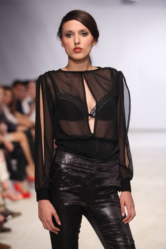 Stunning model Sara Milenkovska