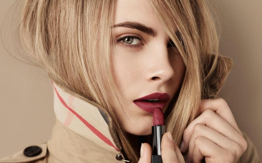 Burberry velvet lipstick