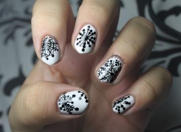 nail-art-winter-snowflake-nail-art-designs-stunning-and-romantic-snowflake-nail-art