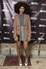 solange-knowles-polka-dots-h724