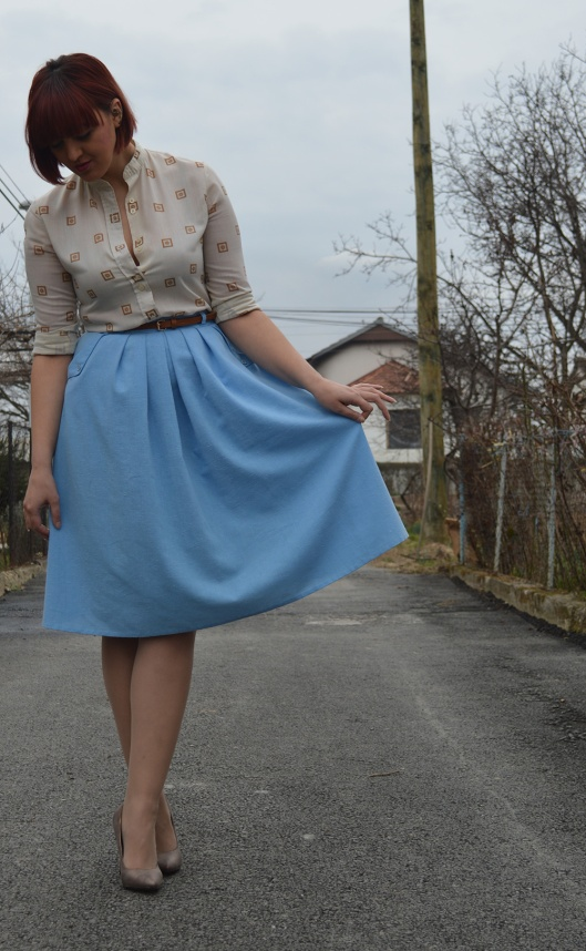 baby blue vintage skirt vintage blouse half pointed stilletos Bershka belt 2