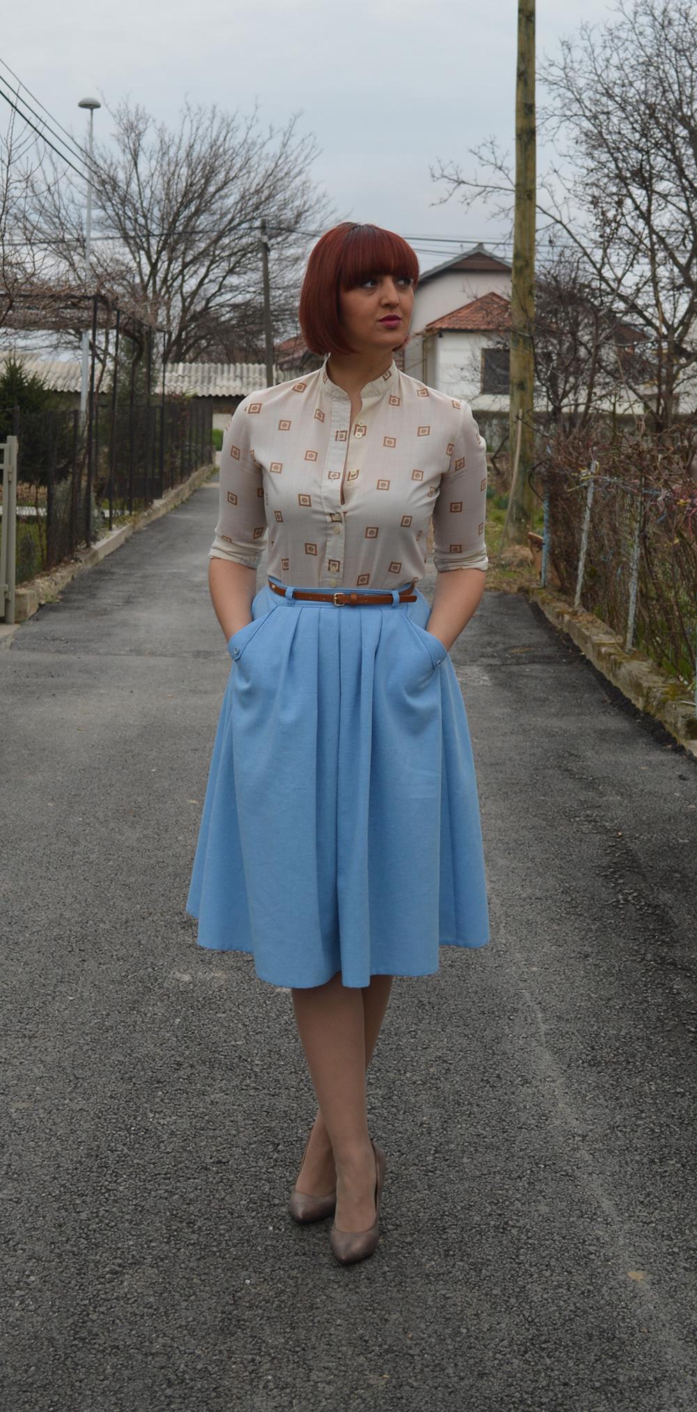 baby blue vintage skirt vintage blouse half pointed stilletos Bershka belt 3